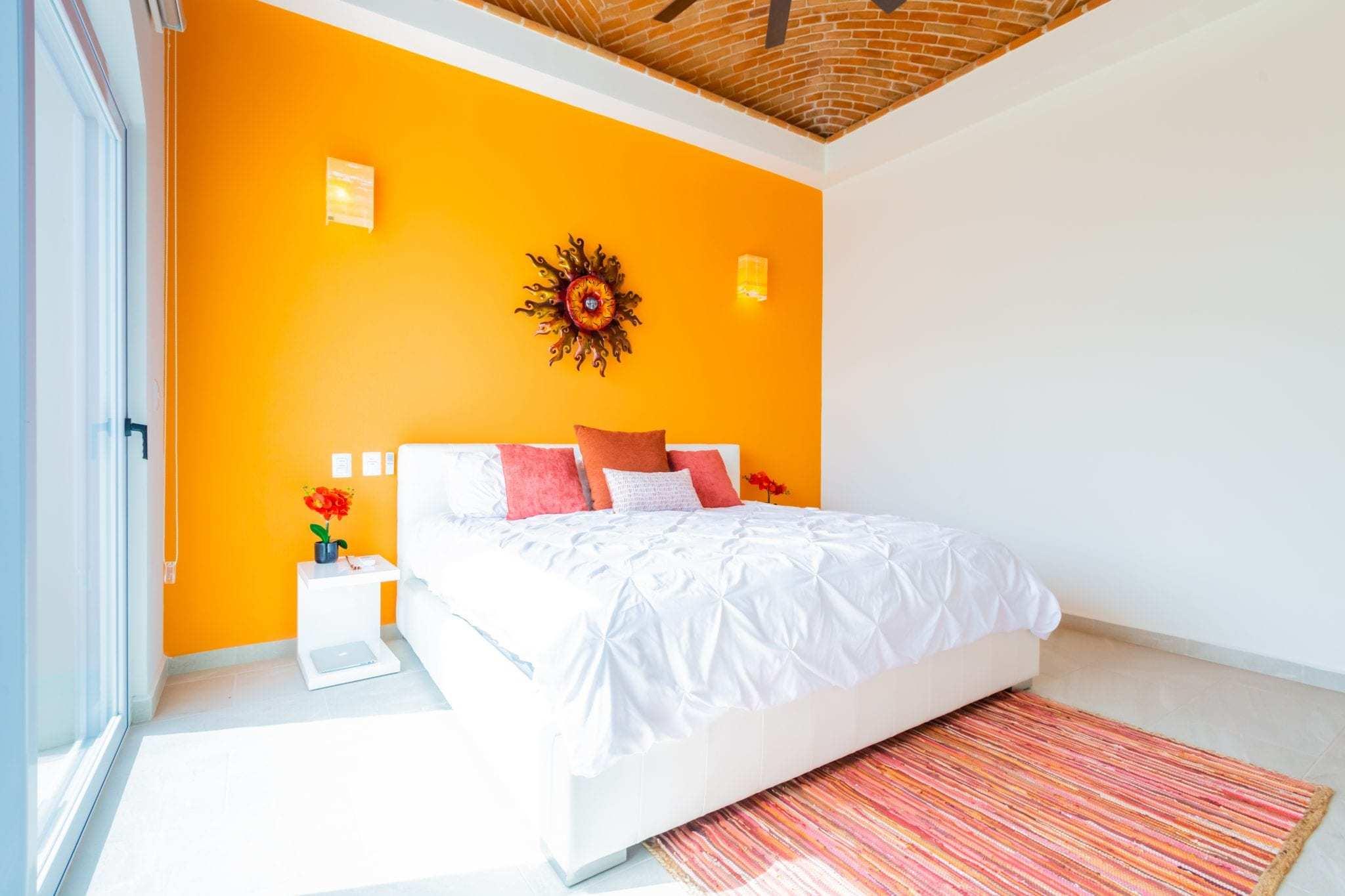 Orange Suite – King Bed