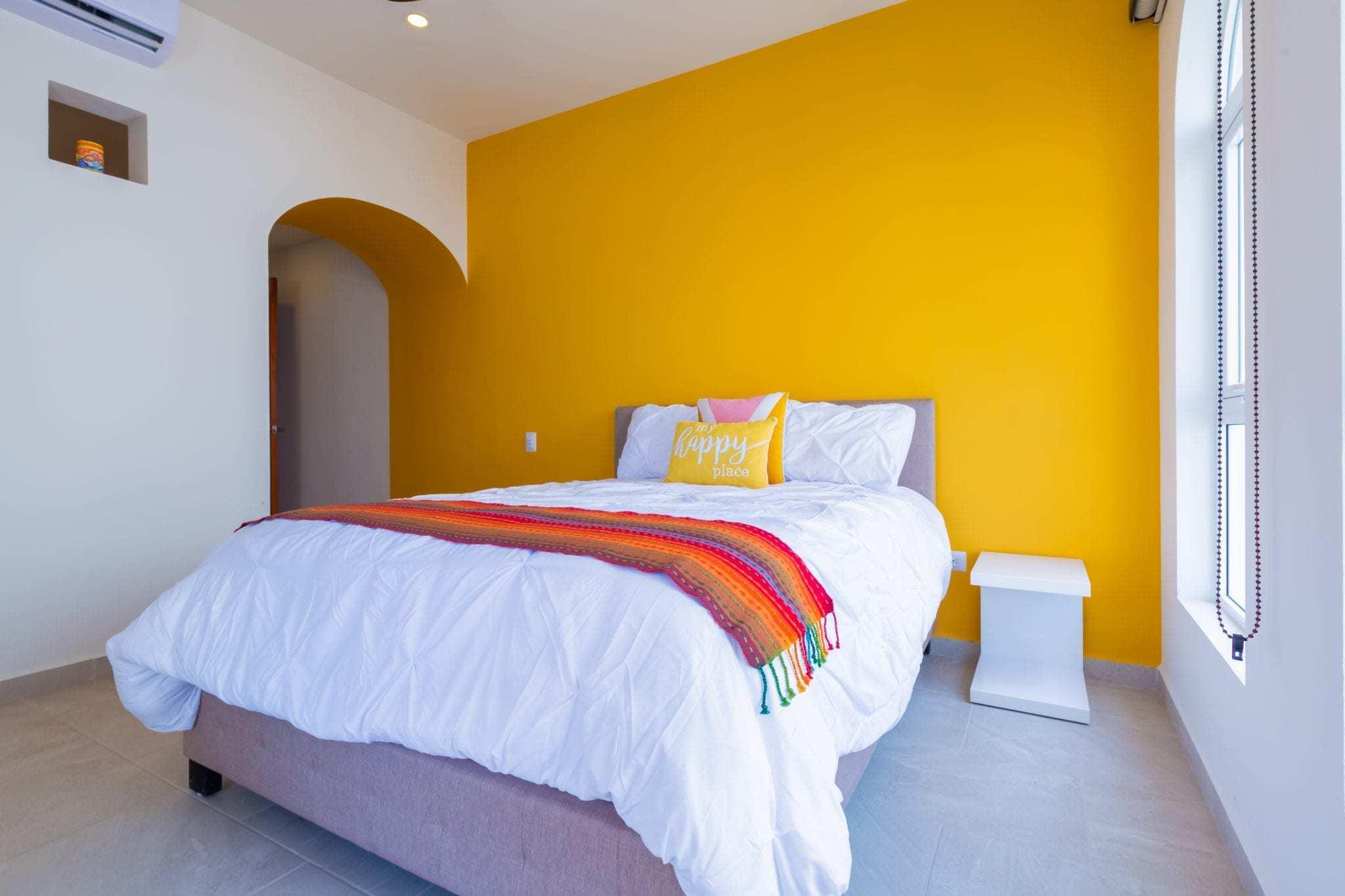 Yellow Suite – Queen Bed